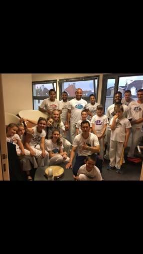 Démonstration de capoeira au théâtre de Thionville pour le spectacle de fin d'année d'ACA DANCE